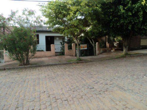 TerraSul Imóveis - Casa 2 Dorm, Tristeza (TZ8856)